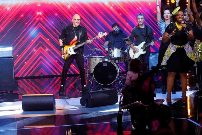 Le chanteur Pascal Obispo sur le plateau du Téléthon, pour le lancement de l'émission, le 7 décembre à Paris.