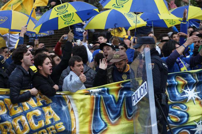 Des supporteurs de Boca Juniors dans les rues de Madrid, le 8 décembre.