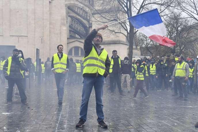 Manifestation de « gilets jaunes» à Bordeaux, le 1er décembre.