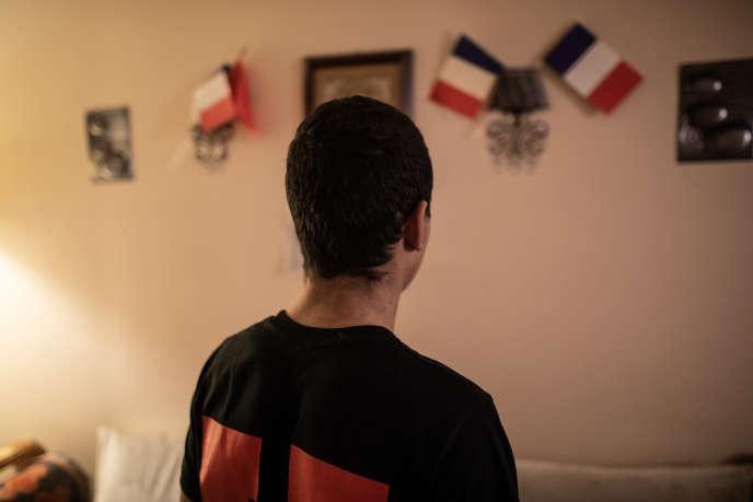 Oussama, 17 ans, chez lui : en première commerce au lycée Condorcet de Limay (Yvelines), il est resté 24 heures en garde à vue.
