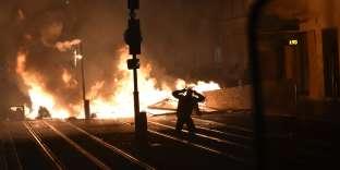 Des heurts ont éclaté à Bordeaux, en marge de la manifestation des« gilets jaunes», le 8 décembre.
