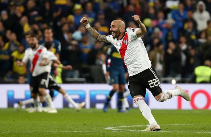 La joie du joueur de River Plate Javier Pinola après le second but de son équipe, le9décembre à Madrid.