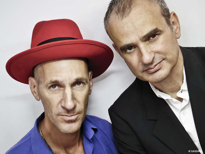 Bumcello, le duo de musiciens Vincent Ségal (violoncelle ) et Cyril Atef (percussion).