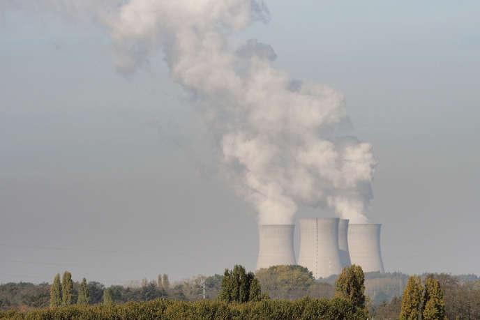La centrale nucléaire de Dampierre-en-Burly, près d'Orléans, le 23 octobre.