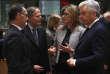 Ekaterina Zaharieva (au centre), lors d'une réunion des ministres des affaires étrangères européens, à Bruxelles, le 10 décembre. La Bulgare aurait ordonné le licenciement de la lanceuse d'alerte Katia Mateva.