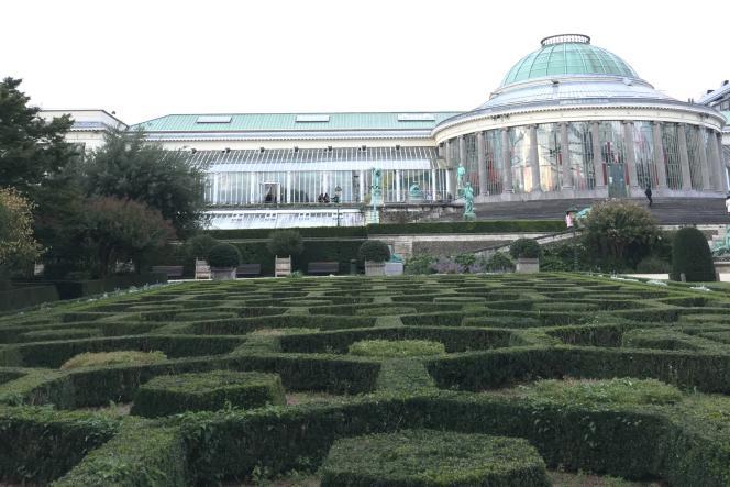 La rotonde du Botanique aujourd'hui, avec ses décors de buis taillés.
