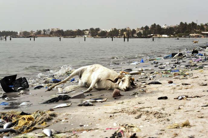 Une plage de la baie de Hann, à Dakar, au Sénégal, en juin 2018.