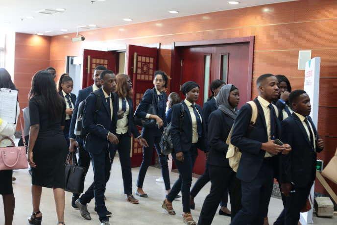 Des étudiants lors des Débats du« Monde Afrique» à Dakar, le 22novembre 2018.