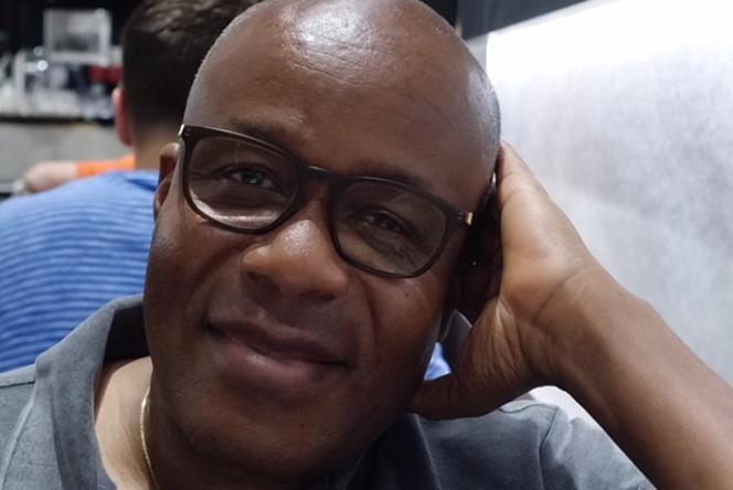Le journaliste Francis Kpatindé.