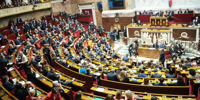 Devant l'Assemblée nationale, le 11 décembre, le premier ministre, Edouard Philippe, détaille les mesures annoncées par Emmanunel Macron pour répondre à la crise des «gilets jaunes».