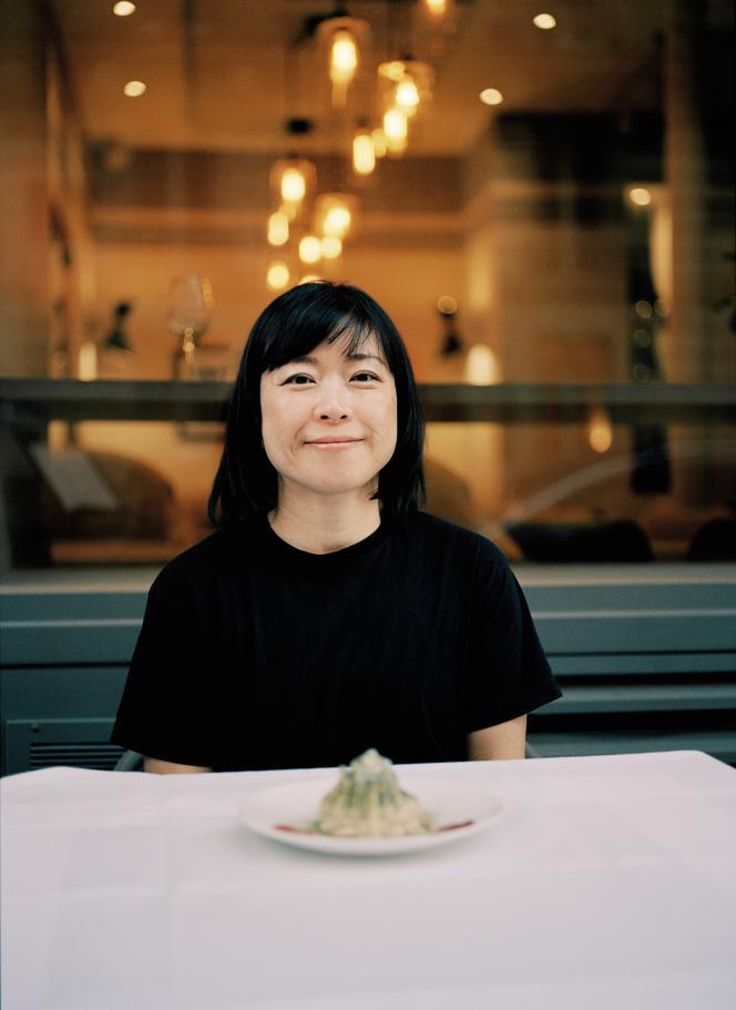 La chef Junko Kawasaki de La Table du caviste bio utilise davantage le thé pour ses vertus décoratives.
