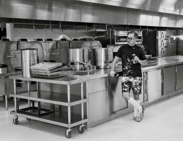 Michael Chow le 28 novembre dans la cuisine de son atelier de Vernon, près de Los Angeles.