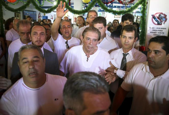 Joao de Deus, arrivant à la casa Dom Inacio, l'endroit où il officiait, à Abadiania, au Brésil, le 12 décembre.