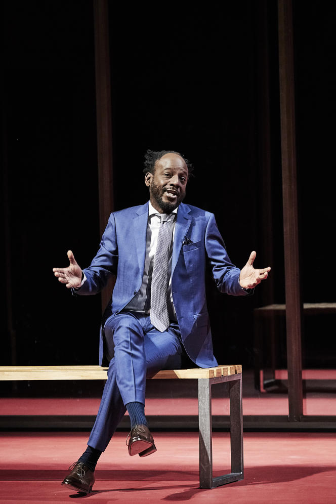 Assane Timbo joue Chrysalde dans « L'Ecole des femmes », de Molière, mise en scène par Stéphane Braunschweig, à l'Odéon-Théâtrede l'Europe, jusqu'au 29 décembre.
