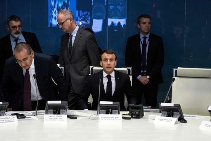 Après l'attaque de Strasbourg, Macron critiqué par la droite et l'extrême droite