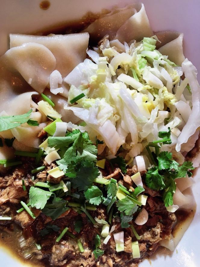 Les nouilles « biang biang» de taille XL sont la spécialité du restaurant Nouilles Ceintures.