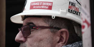 Manifestant contre la fermeture de l'usine sidérurgique ArcelorMittal de Florange, le 17 octobre 2016.