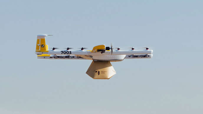 Un drone d'Alphabet transportant son chargement