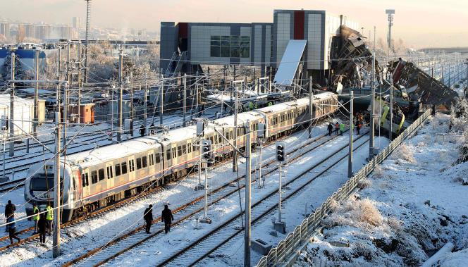 Le conducteur du train qui reliait Ankara à Konya (dans le centre de la Turquie) figure parmi les morts.