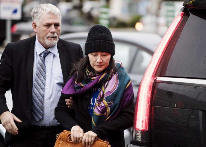 Meng Wanzhoua été arrêtée le 1erdécembre 2018 à Vancouver et remise en liberté conditionnelle à la mi-décembre, moyennant le dépôt d'une importante caution et la remise de ses passeports.