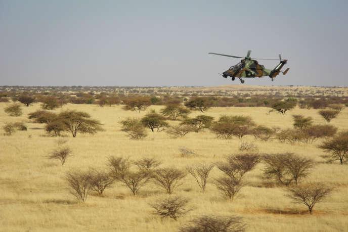 Un hélicoptère de l'armée française dans le centre du Mali, en novembre 2017.