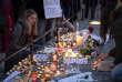 Des bougies déposées près du marché de Noël à Strasbourg, en hommage aux victimes, le 12 décembre 2018.