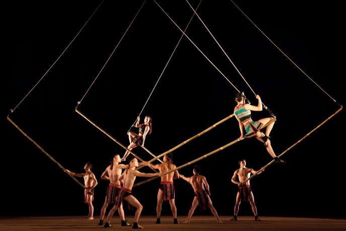 Un numéro du Nouveau Cirque du Vietnam.