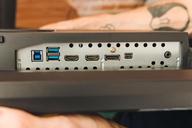 Des ports USB, HDMI et DisplayPort suffisent pour n'importe quel PC récent de gaming.