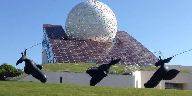 Poitiers compte parmi ses atouts son Futuroscope, et le dynamisme de son université.