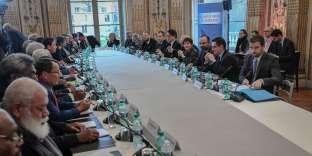 Le 18ecomité des signataires de l'accord de Nouméa, le 14 décembre à Matignon.