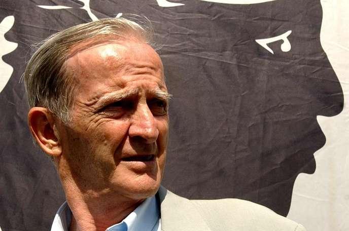 Edmond Simeoni, à Corte, le 8 août 2004.
