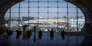 Le terminal 2E de l'aéroport de Roissy-Charles-de-Gaulle, au nord de Paris, en août.