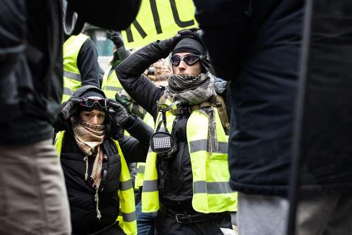 Acte V des « gilets jaunes », à Paris, le 15 décembre.