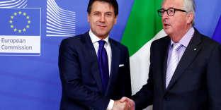 Le premier ministre italien, Giuseppe Conte, et le président de la Commission européenne, Jean-Claude Juncker, à Bruxelles, le 12 décembre.
