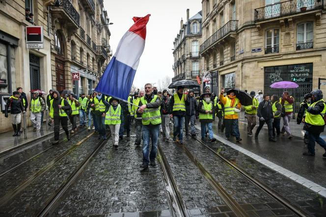 Manifestation des gilets jaunes lors de l'acte V à Bordeaux.