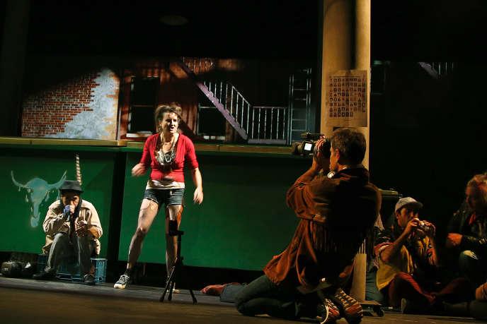 Répétitions de « Kanata», de Robert Lepage au Théâtre du Soleil, en novembre 2018, avec Ghulam Reza Rajabi, Alice Milléquant, Martial Jacques et Saboor Sahak.