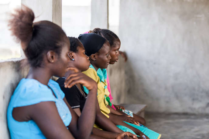 De jeunes migrantes à Sèmè-Krakè, au Bénin, le 5décembre 2018.