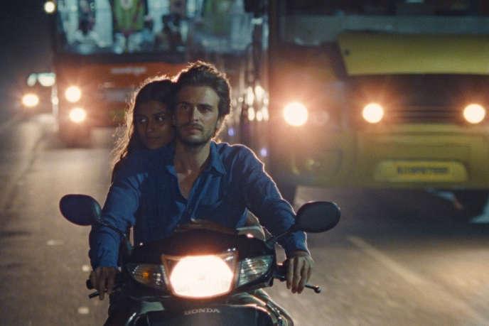 En Inde, Gabriel (Roman Kolinka) s'apaisera auprès de Maya (Aarshi Banerjee), dans«Maya», de Mia Hansen-Love.