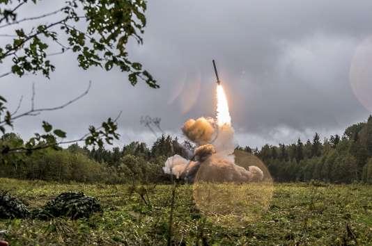 L'OTAN et les Etats-Unis accusent Moscou de violer le traité INF par la mise au point d'un nouveau système de missile, des accusations rejetées comme « sans fondement » par la Russie.