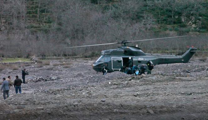 Hélicoptère sur la scène de crime où les deux Scandinaves ont été retrouvées, à 10 kilomètres d'Imlil, le 18 décembre 2018