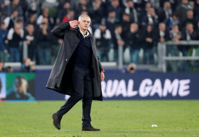 José Mourinho chambre le public de Turin après le match contre la Juventus, le 7 novembre.