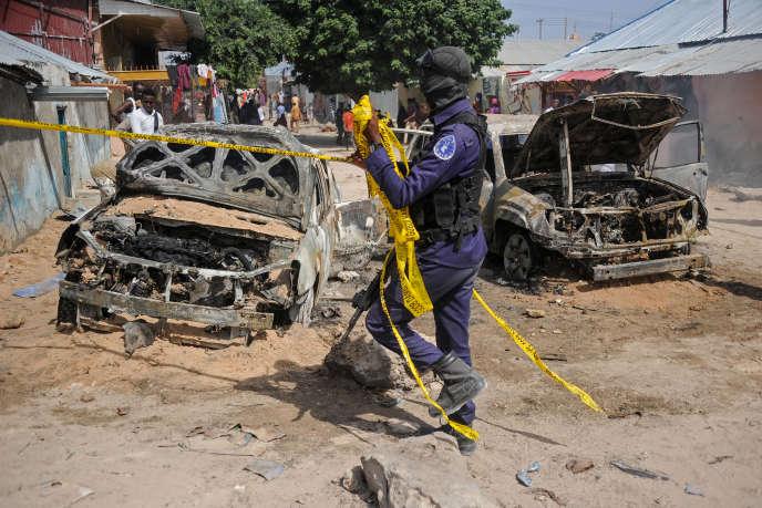 Après une attaque à la voiture piégée à Mogadiscio due probablement aux Chabab, le 16 décembre 2018.