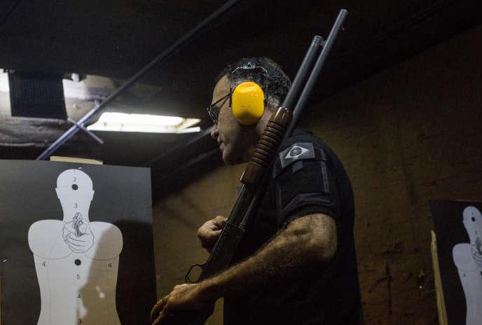 Au club de tir« Calibre 12» de Rio de Janeiro, le 3 septembre.