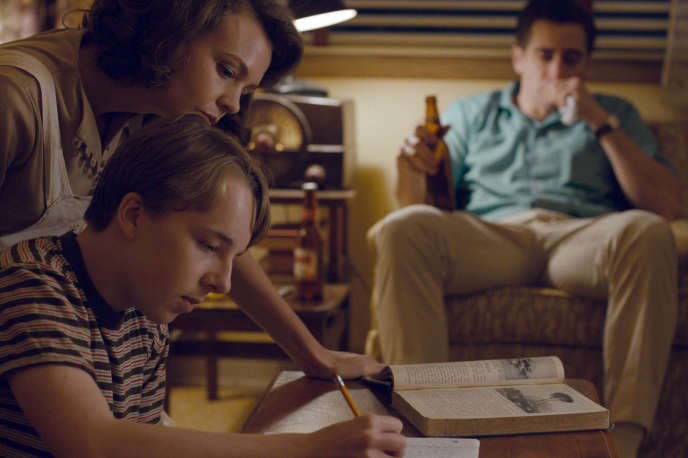 Carey Mulligan, Ed Oxenbould et Jake Gyllenhaal dans «Wildlife», de Paul Dano.