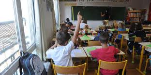 Les cours de français auxparents d'élèves étrangers leur permettent de pouvoir accompagner leurs enfants.