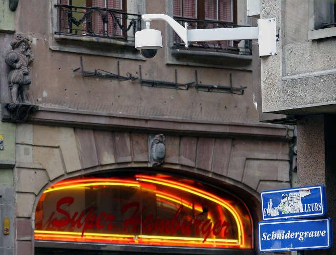 Une caméra de vidéosurveillance, à Strasbourg, en 2007.
