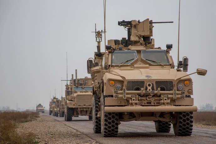 Un convoi de la coalition internationale, dans la province de Deir ez-Zor, le 22 novembre 2018.