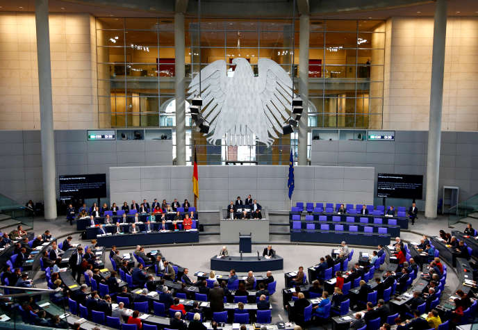 Session du Bundestag, à Berlin, le 12 décembre.