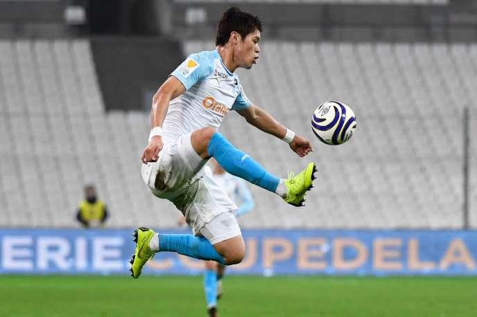 Le défenseur de l'OM Hiroki Sakai face à Strasbourg lors du match de Ligue des champions, le 19 décembre au stade Vélodrome.