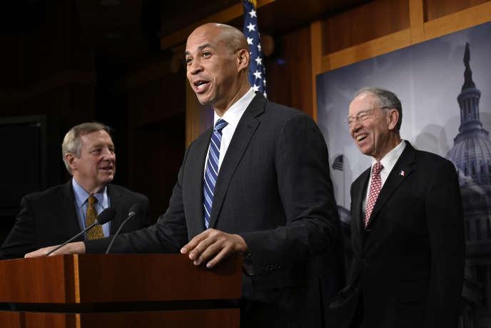 Le sénateur démocrate Cory Booker a défendu la loi contre le lynchage devant le Sénat états-unien, le 19 décembre.